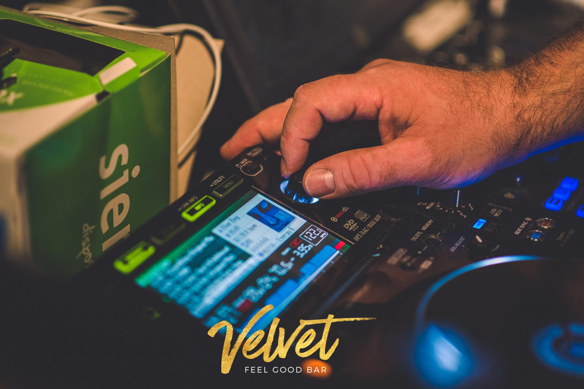 Velvet Feel Good Bar (1)